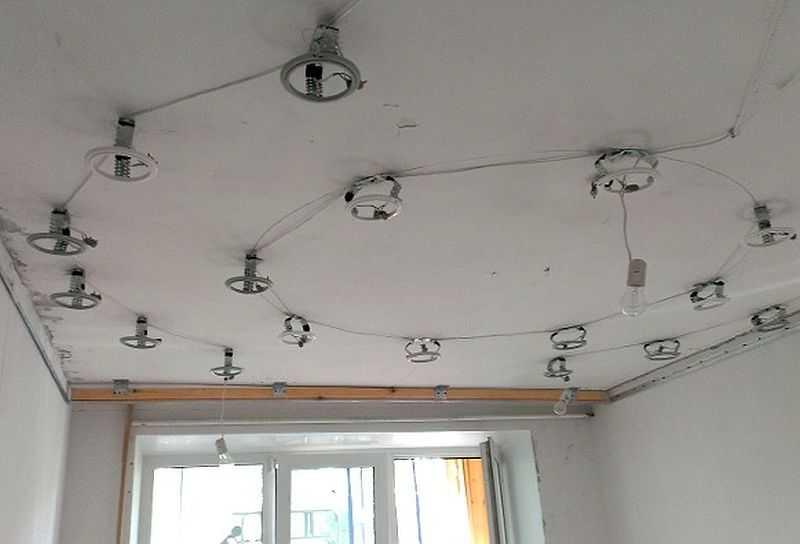 установку точечных светильников